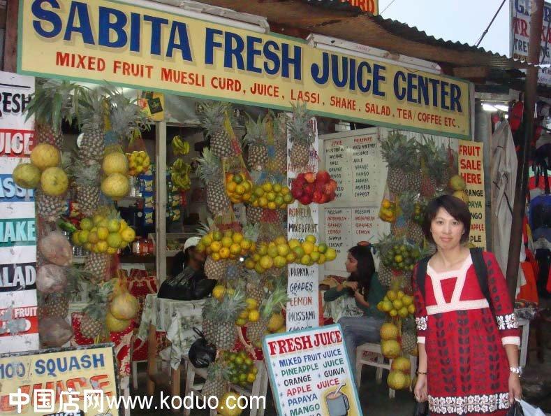 装修设计效果图   简约风格水果店门头装修图片   水果店门高清图片