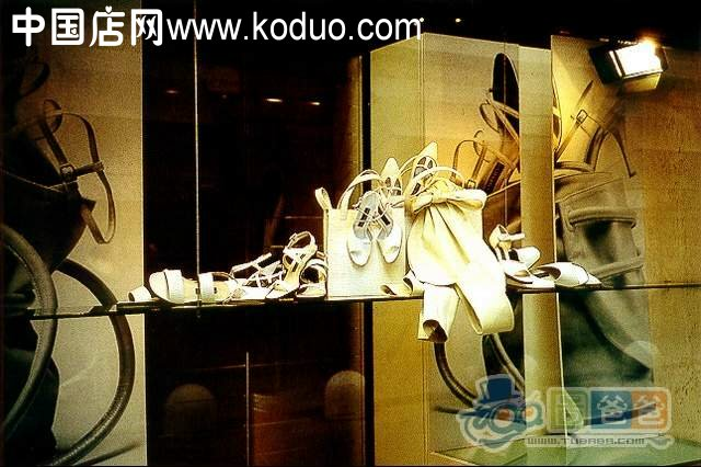 橱窗展示设计欣赏六 鞋店装修设计效果图